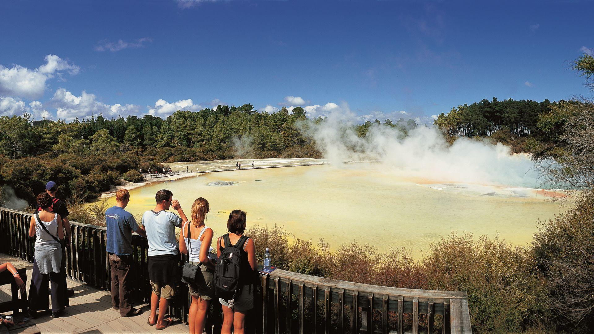 Artists Palette Lookout | Wai-O-Tapu & Waimangu | Thermal Land Shuttle